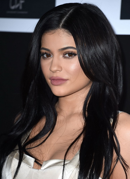 kylie jenner hair color black