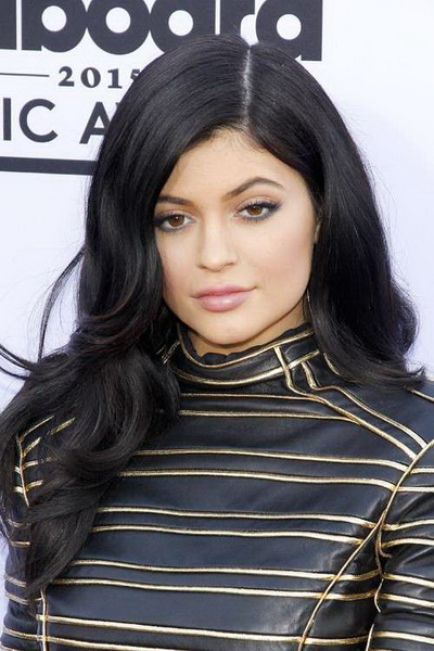 kylie jenner natural hair color