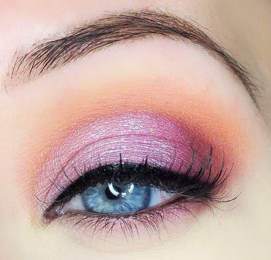 Pink Eye Shadow for Blue Eyes