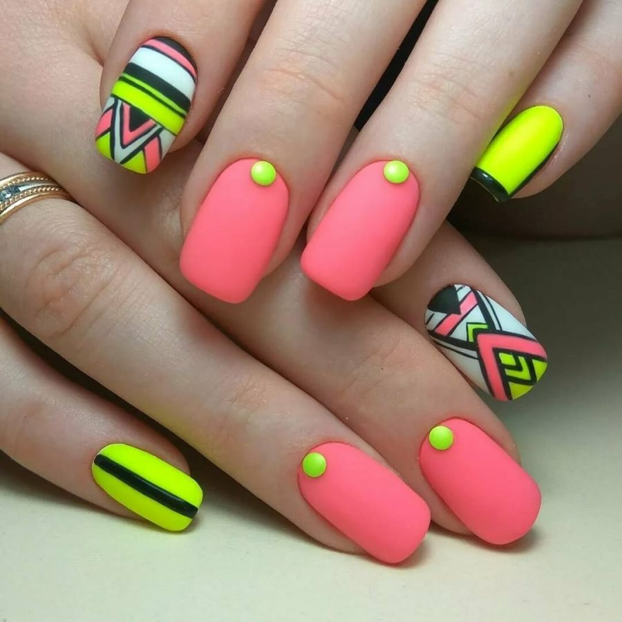 summer colours for nails