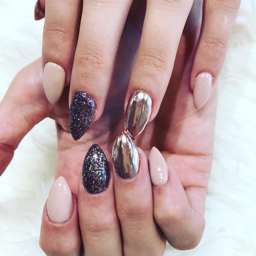 Round and short stiletto nails