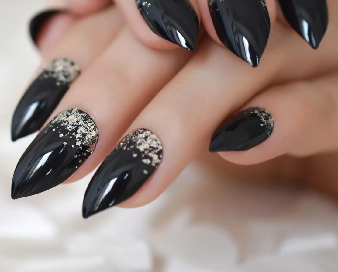 stiletto nails black