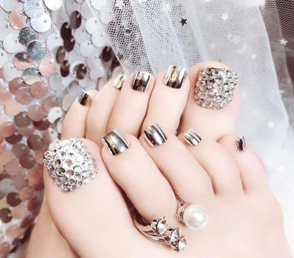 Crystal Toe Nails