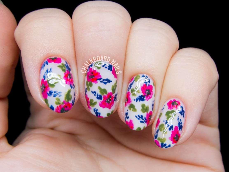 Floral short nails