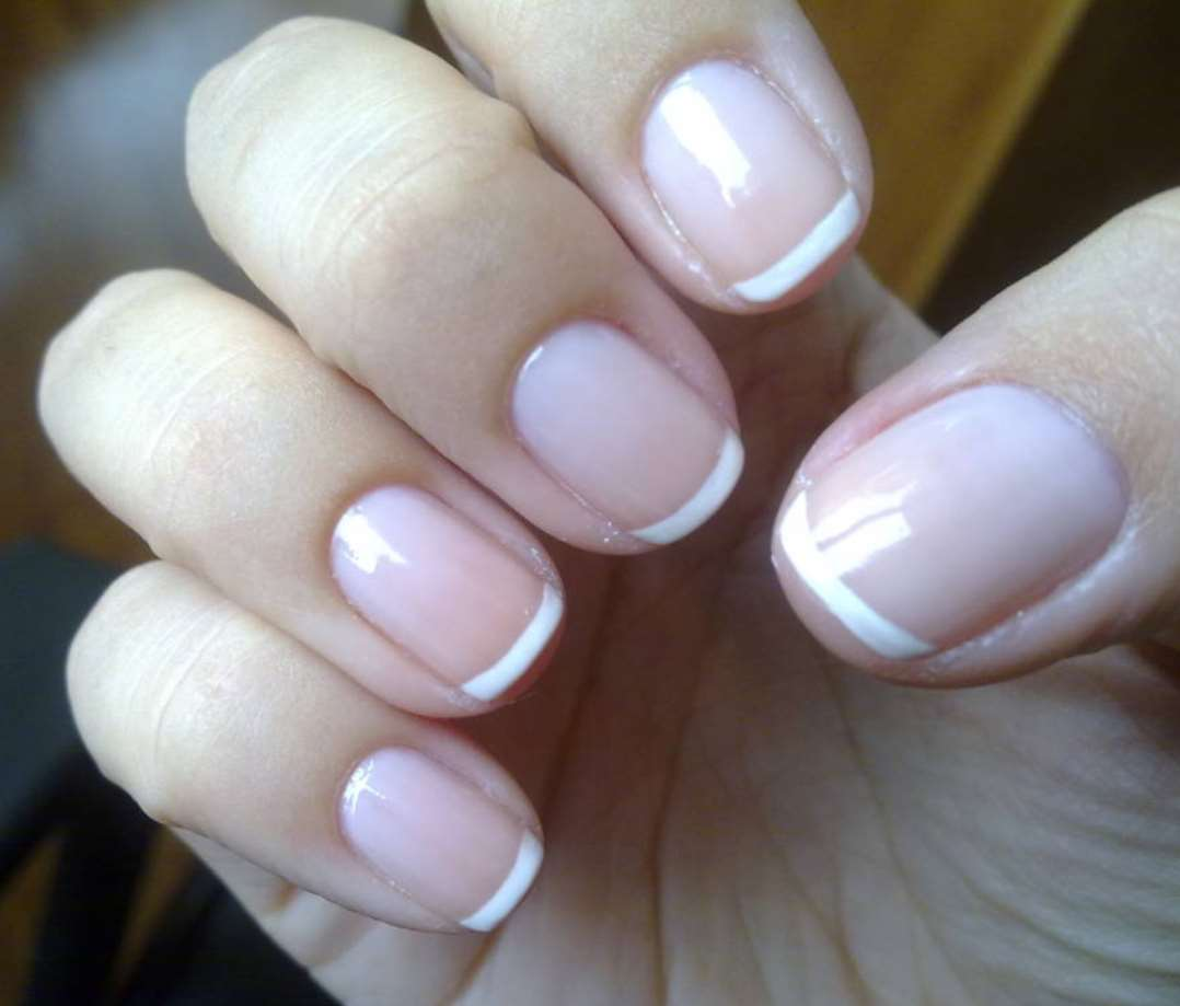 French short manicure