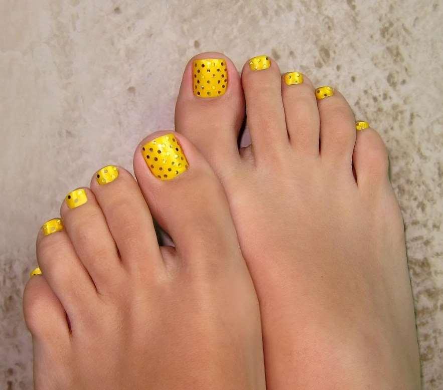 Glitter Toe Nails