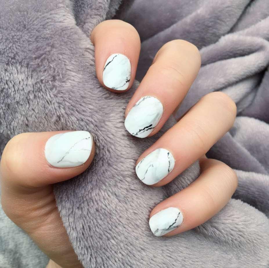 Marble short nails