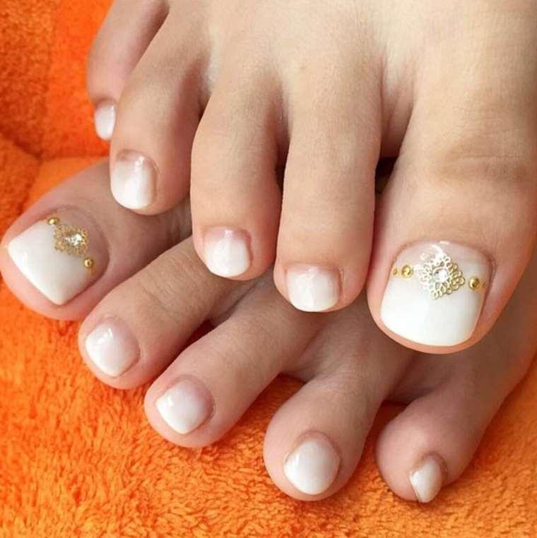 Ombre Toe Nails