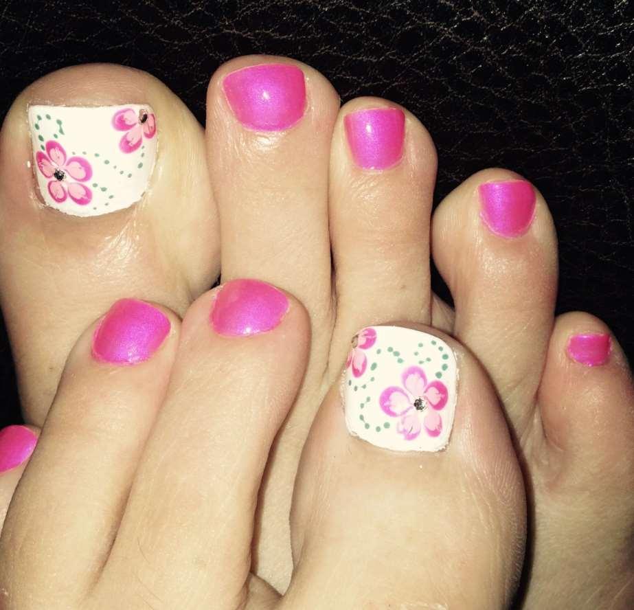 Pink Toe Nails