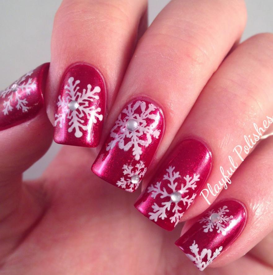 Playful snowflakes nails