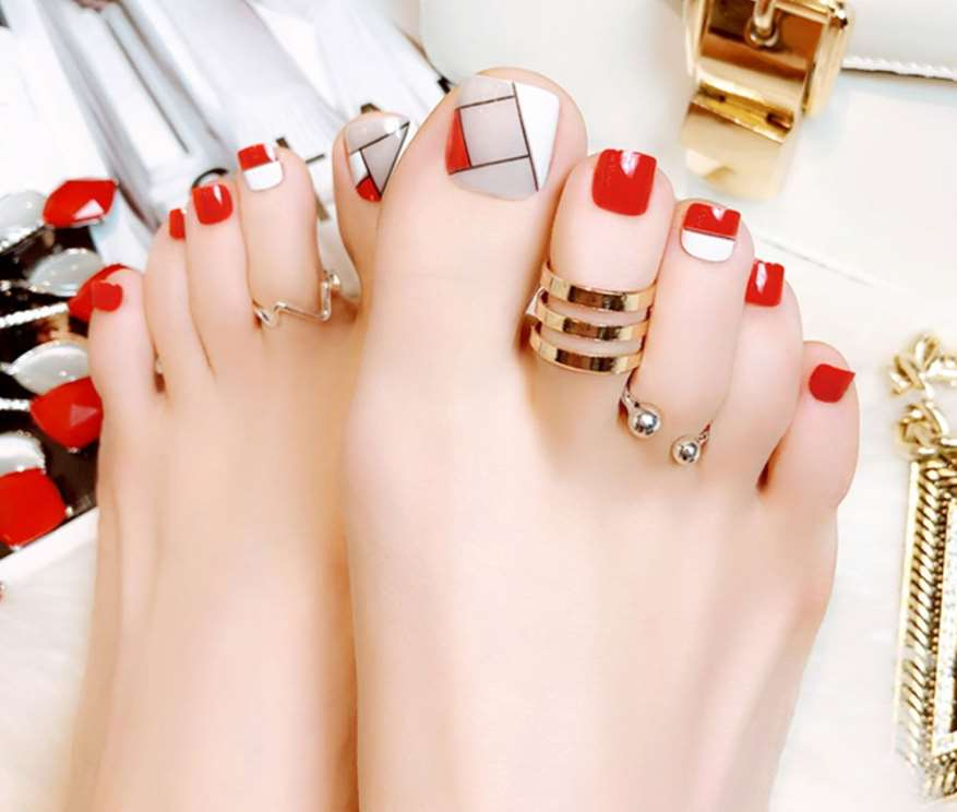 Twisted French Toe Nails
