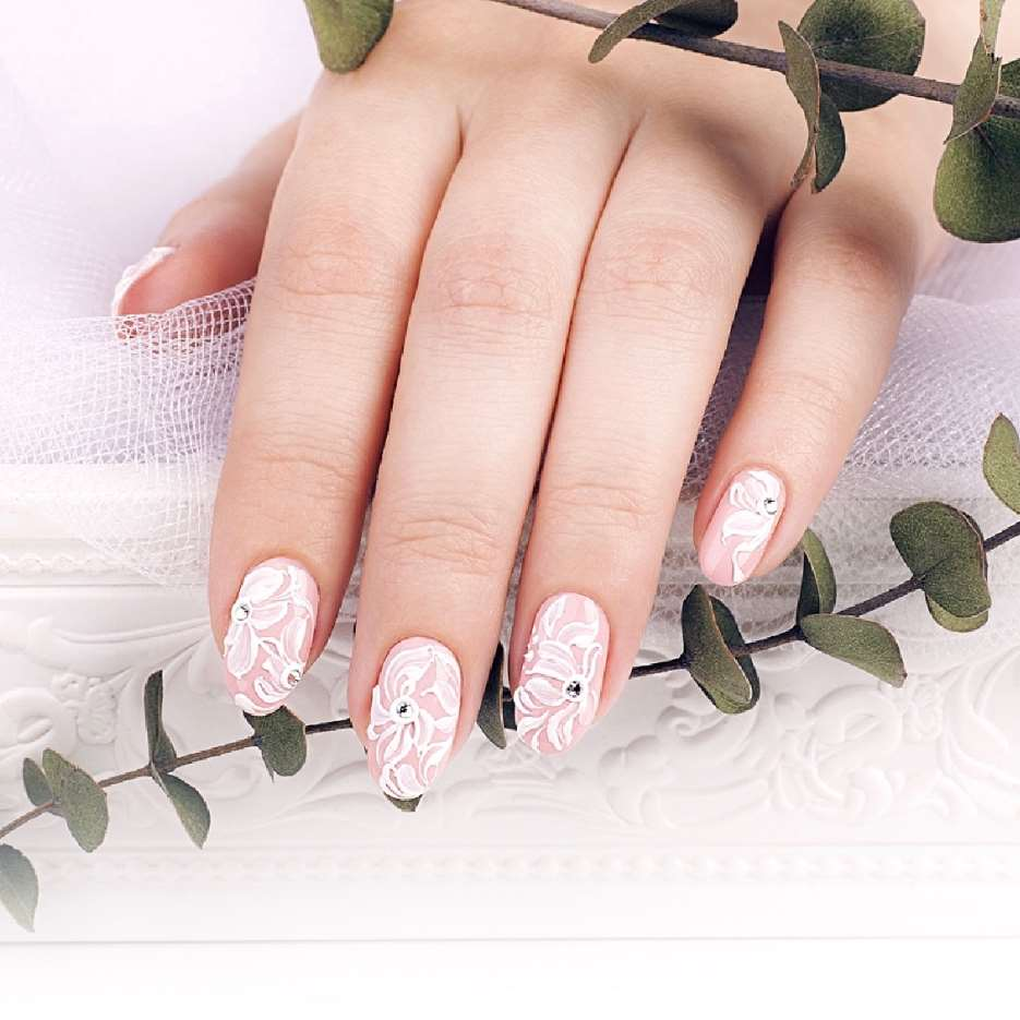 acrylic nails white