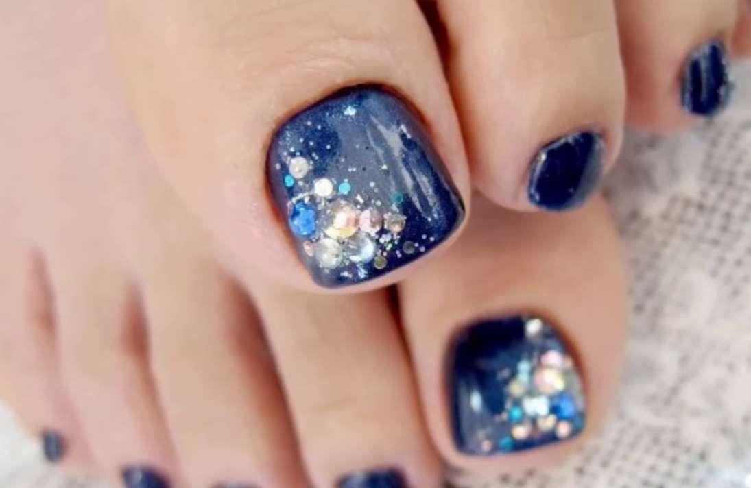 blue toe nail designs
