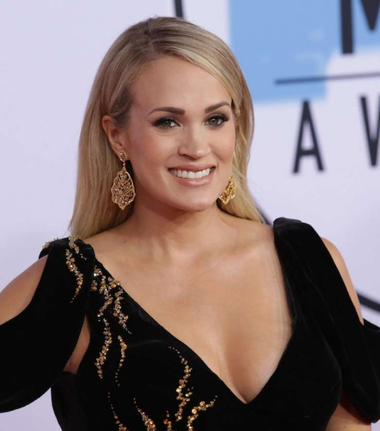 carrie underwood hairstyles down