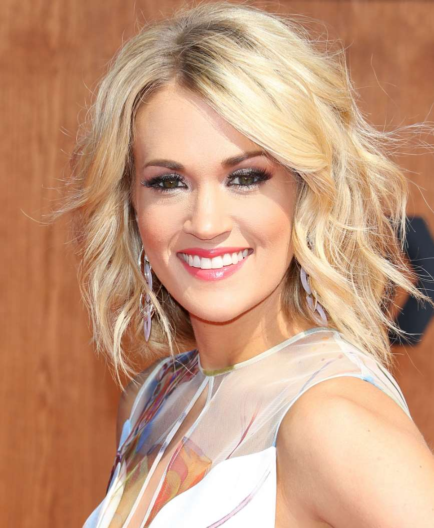 carrie underwood hairstyles short