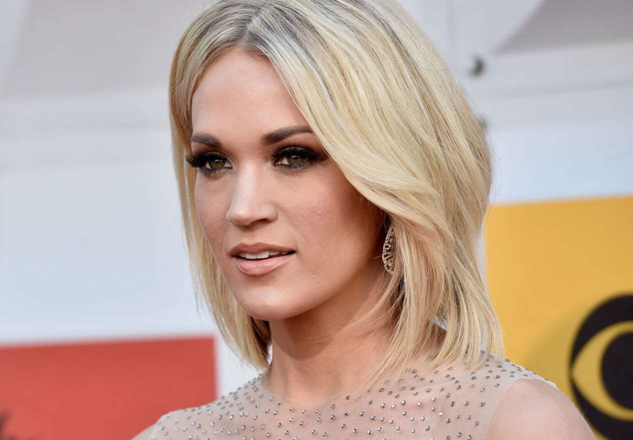 carrie underwood short hairstyle