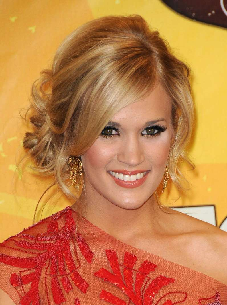 carrie underwood up do hairstyles