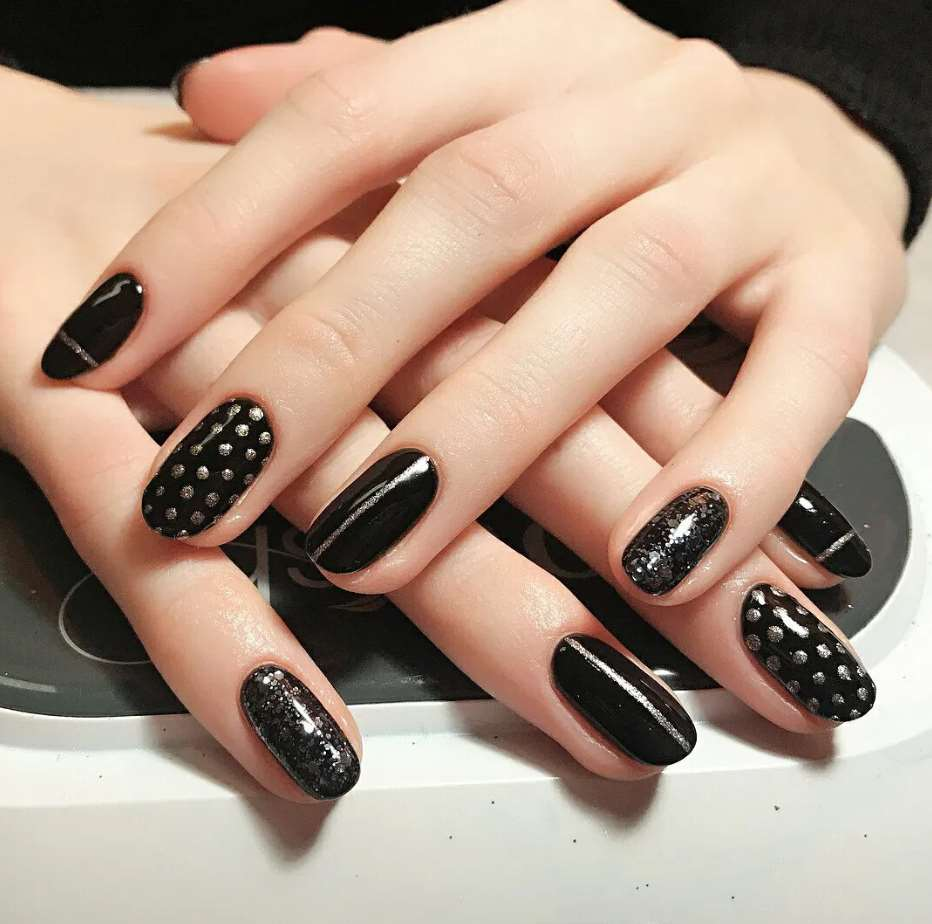 elegant nail designs for short nails