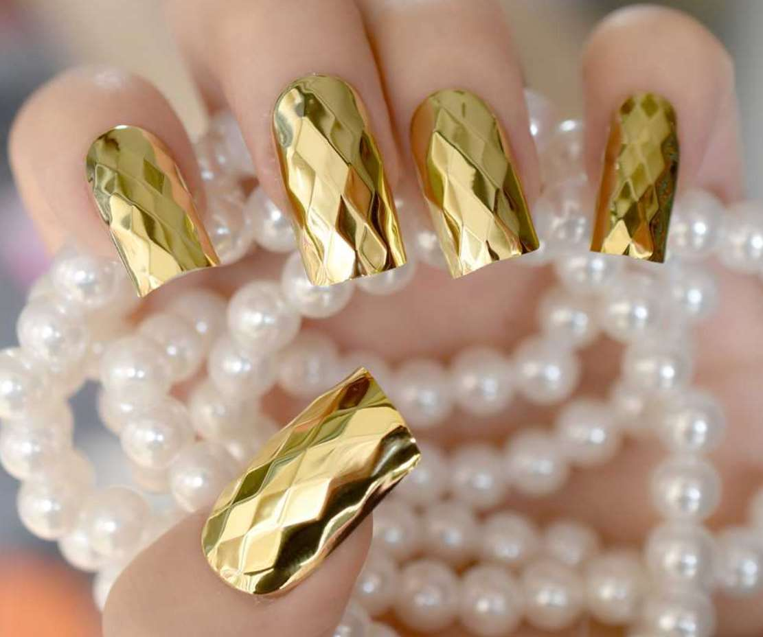 gold acrylic nails