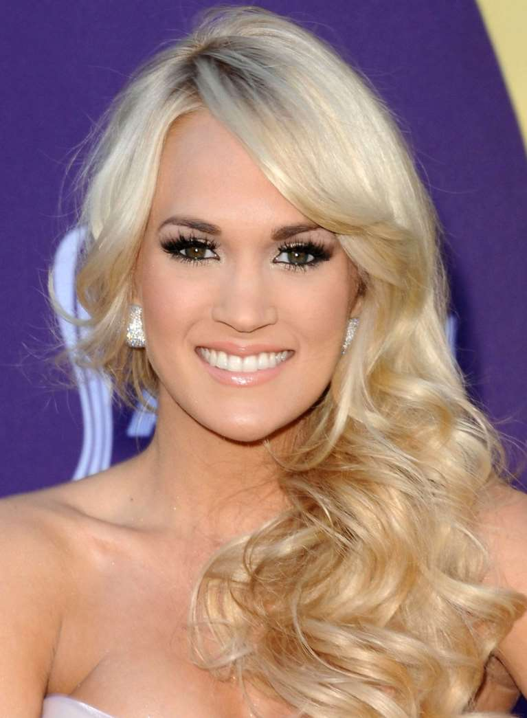 long hairstyles carrie underwood
