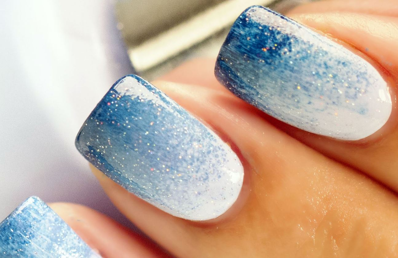 ombre nails blue