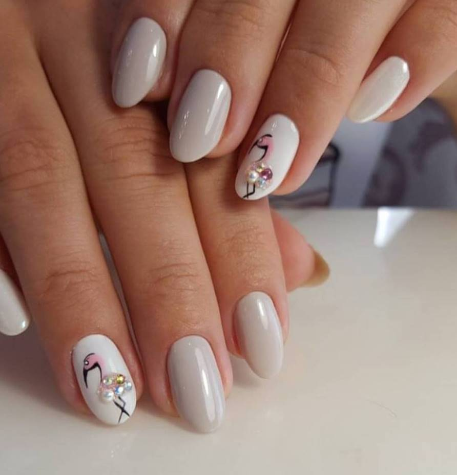 short oval acrylic nails