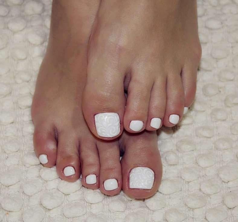 white toe nail designs