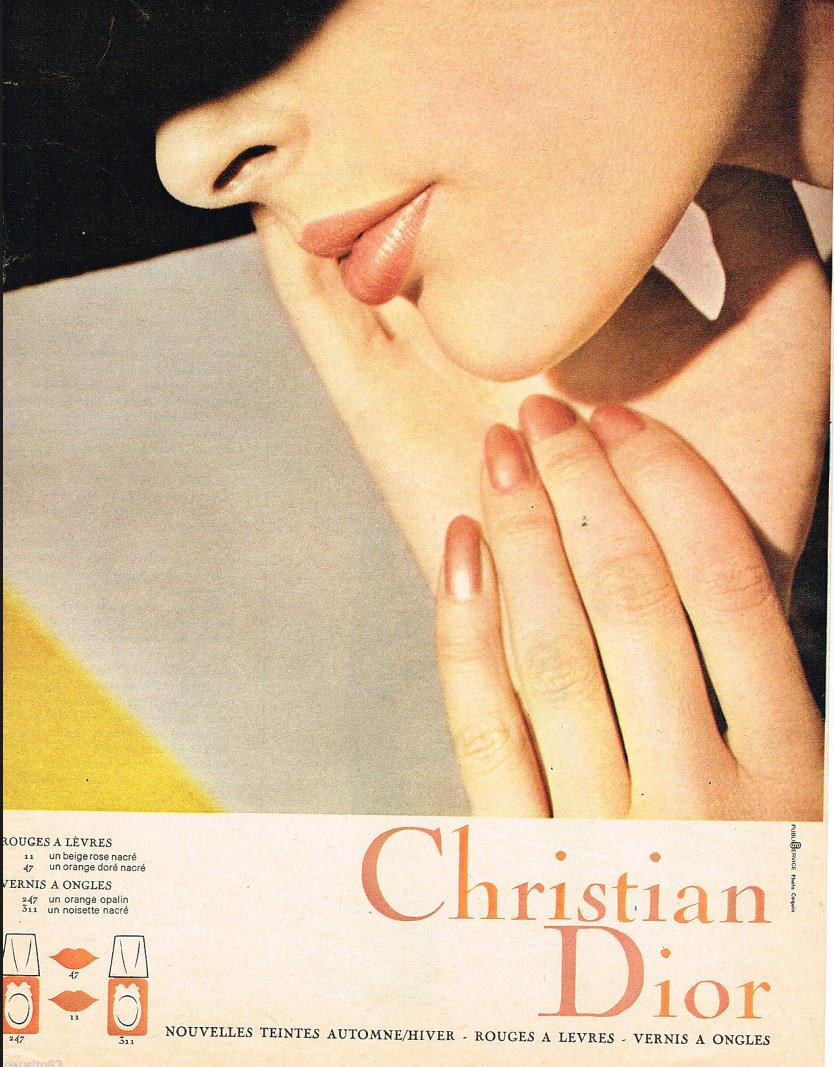 Dior 1960 red nails