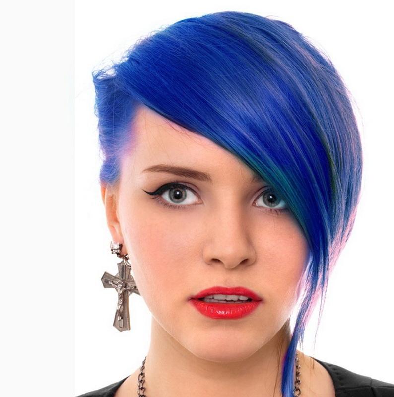 deep blue hair