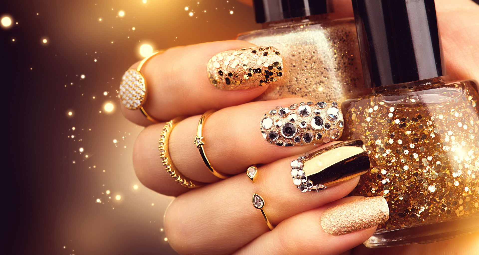 gold fake nails