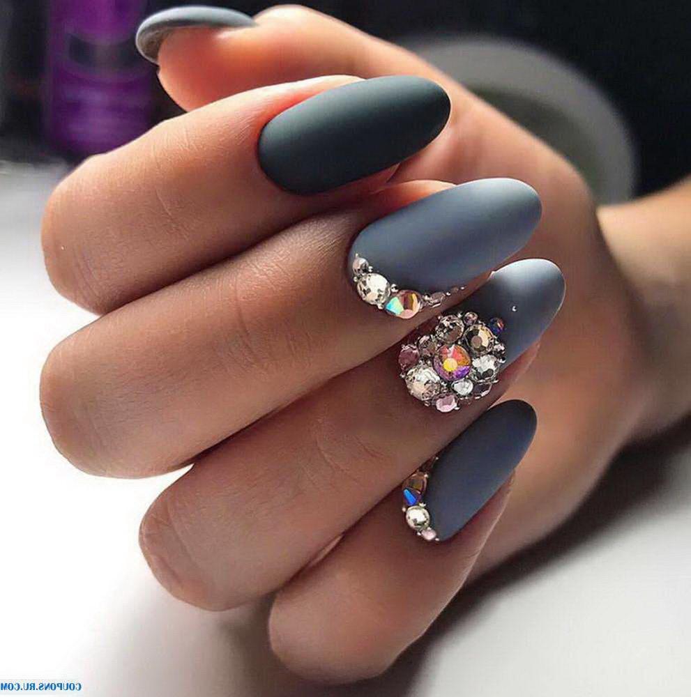 gray diamond nails