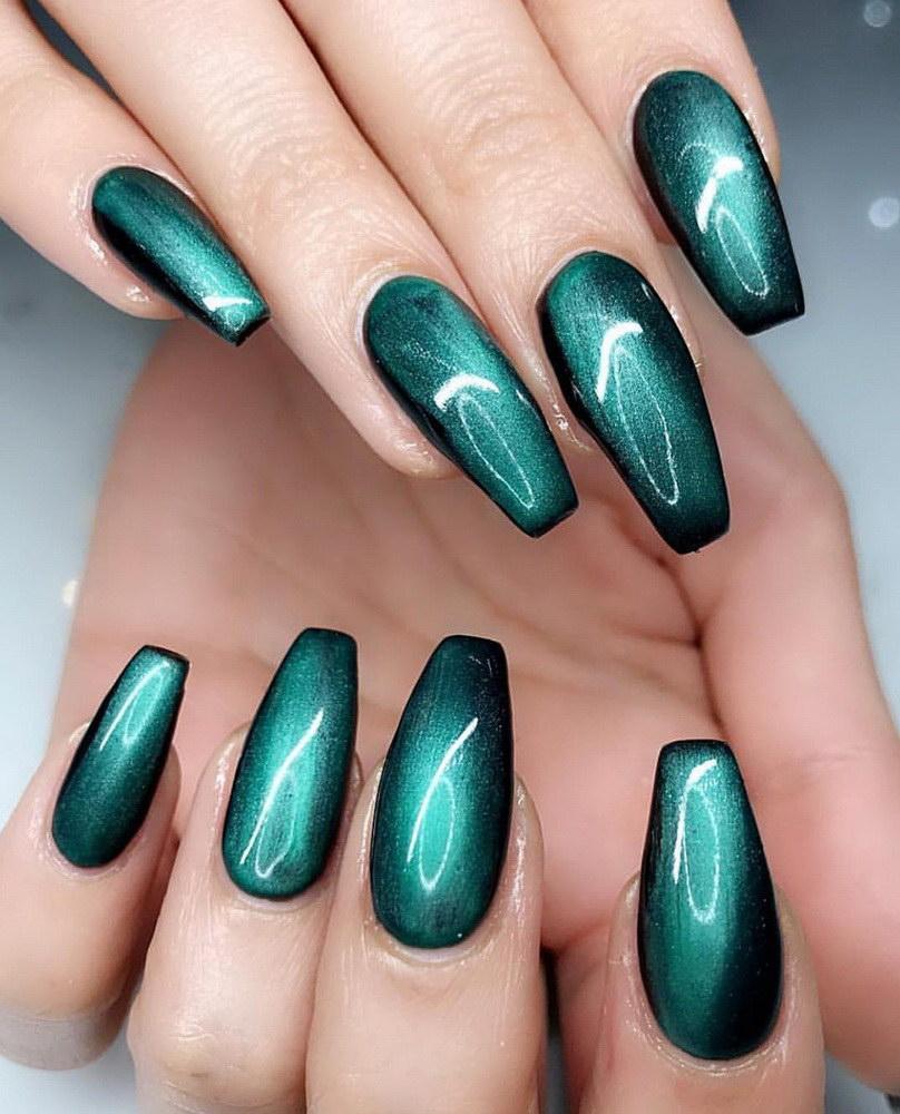 green chrome nails
