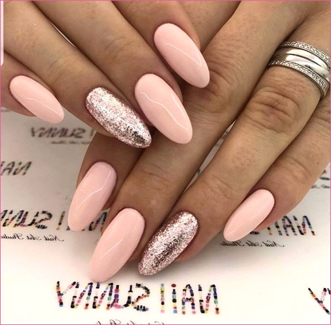 light-pink-fake-nails