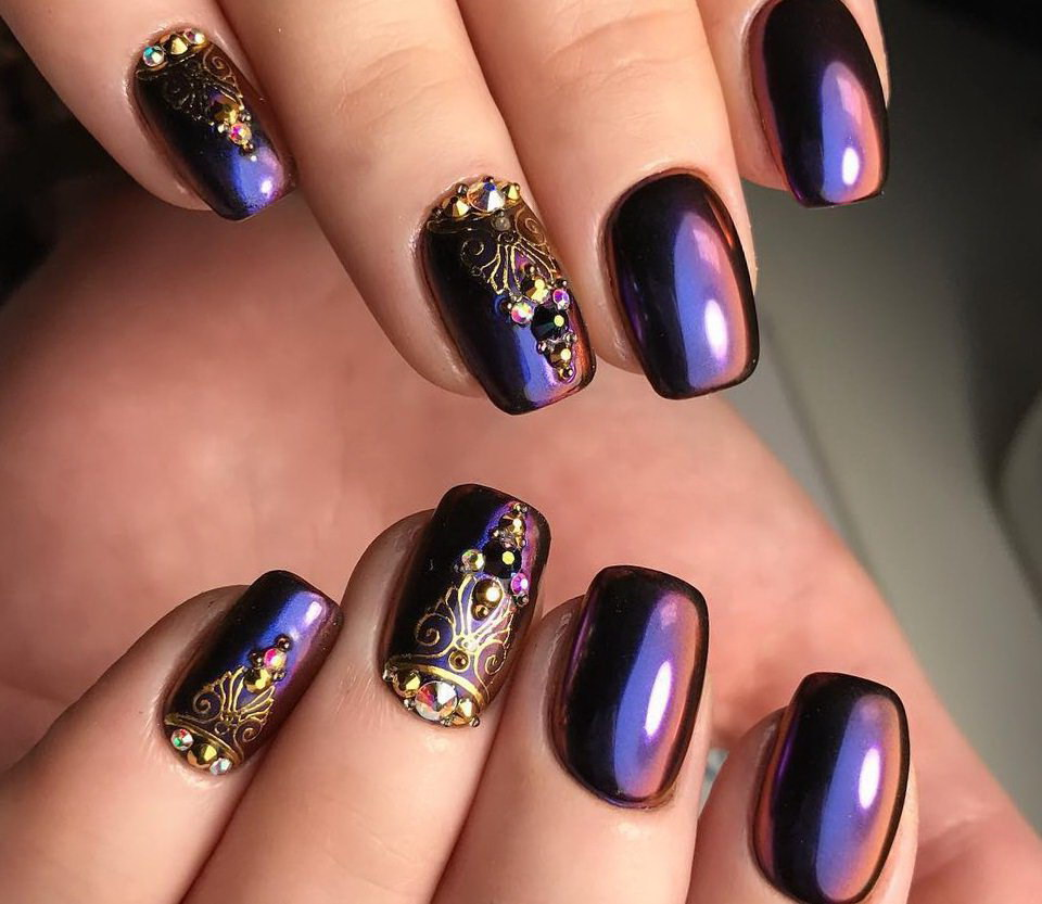 pearl chrome nails