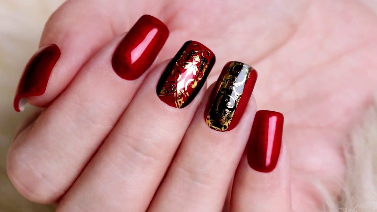 red and black fake nails