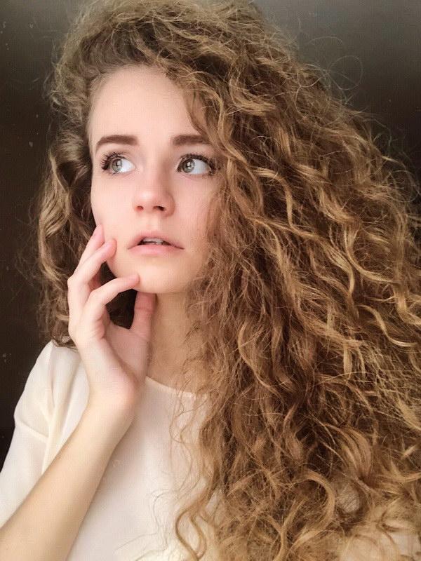 wavy hair natural
