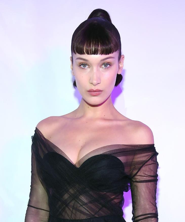 Bella Hadid Fake bangs