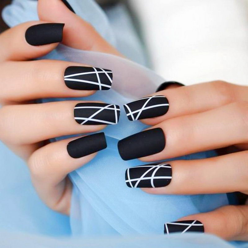 Black Nail geometric