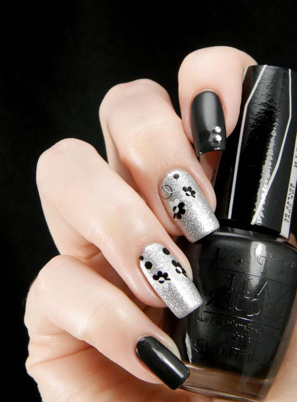 Black Nail with silver
