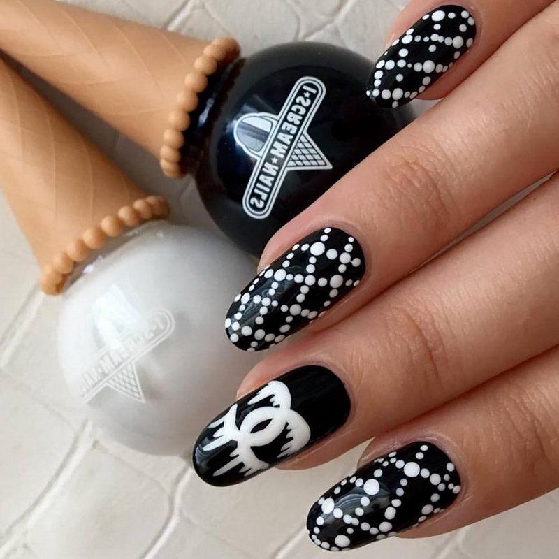 Chanel black nail