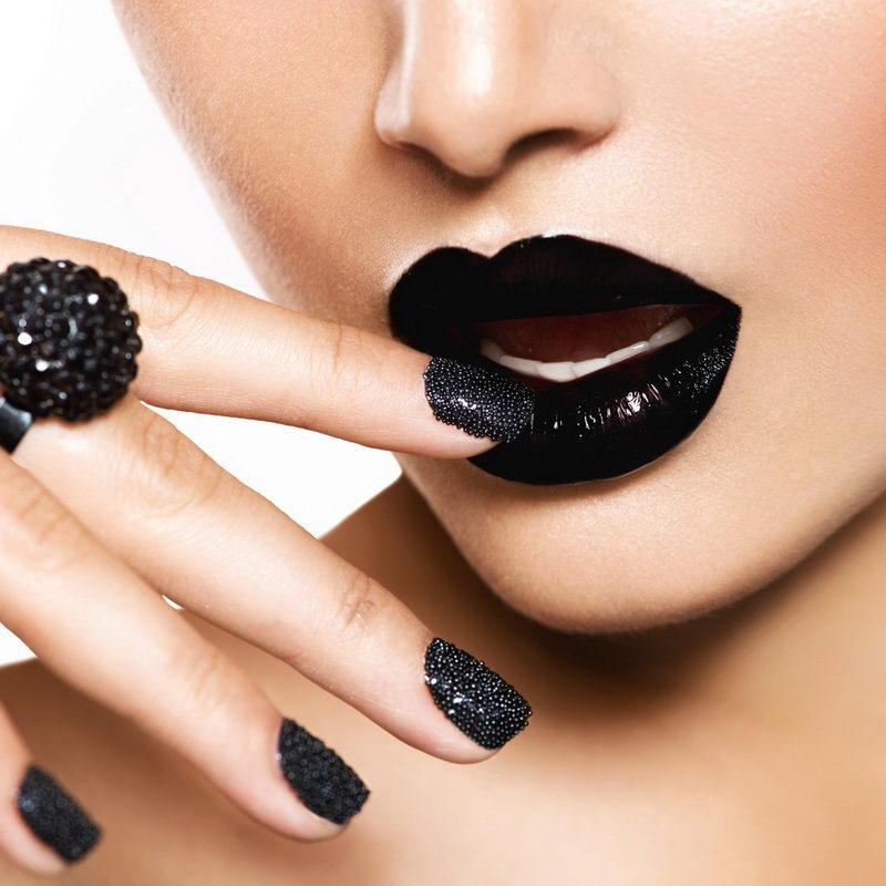 caviar black nail