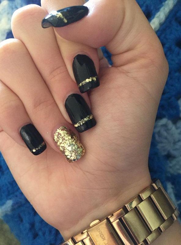 gold Black Nail