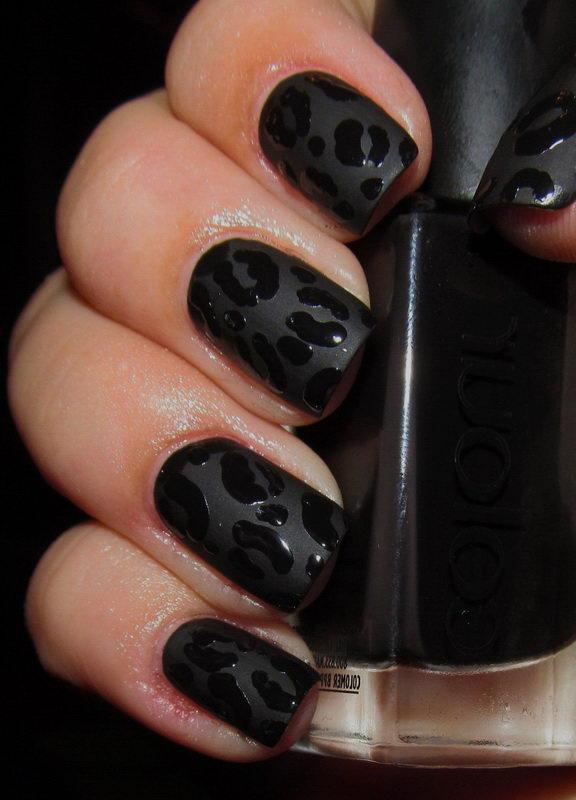 short black nail