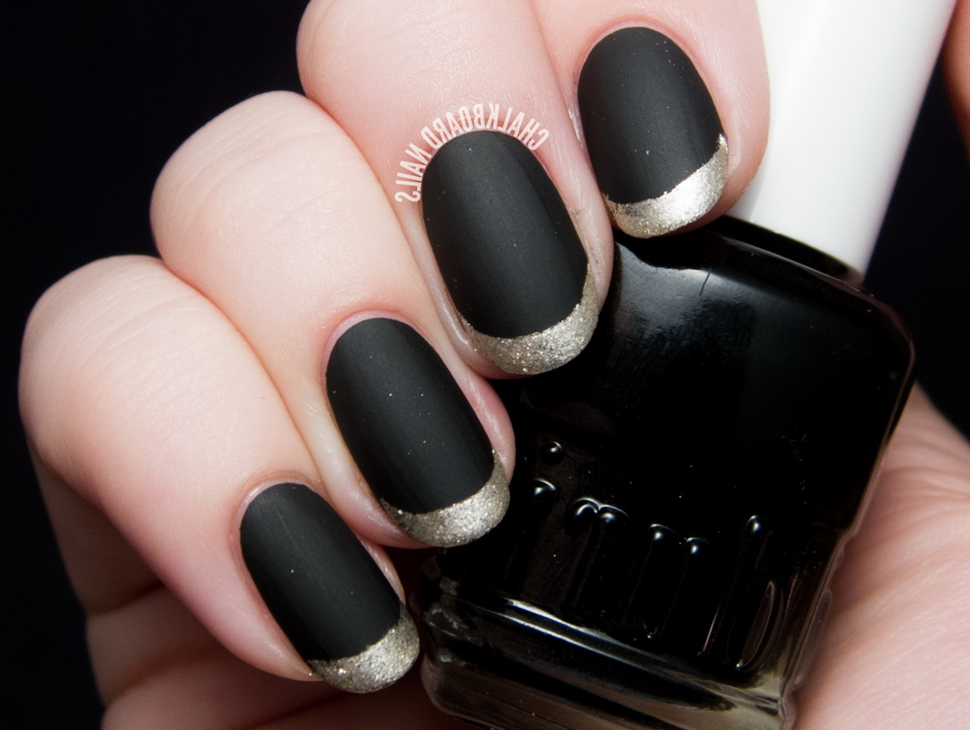 black and silver elegant nails