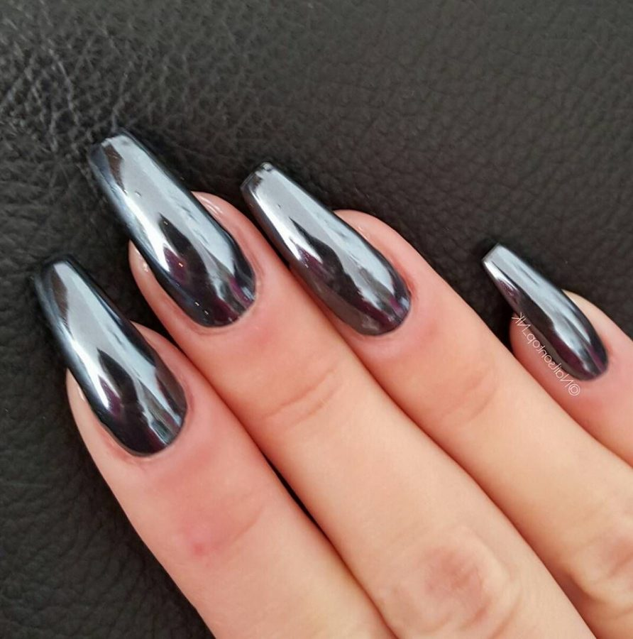 black holographic nails