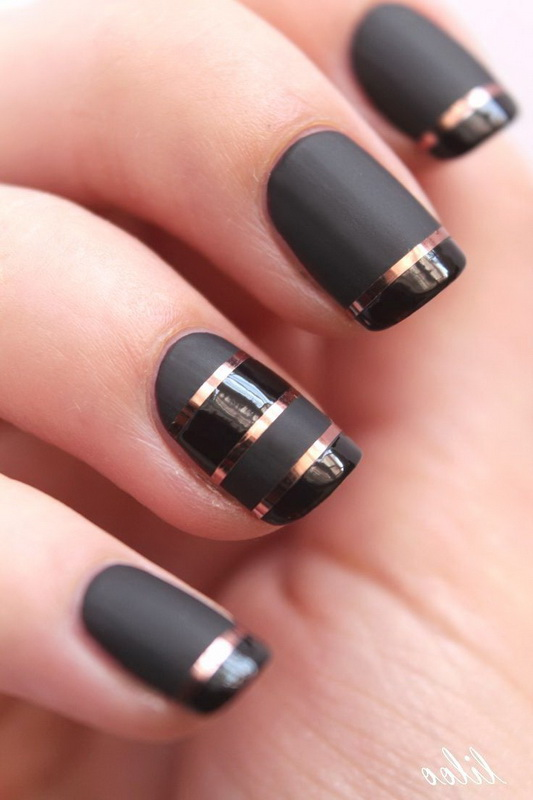 elegant nails with stripes