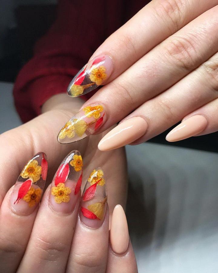 fancy flowers nails
