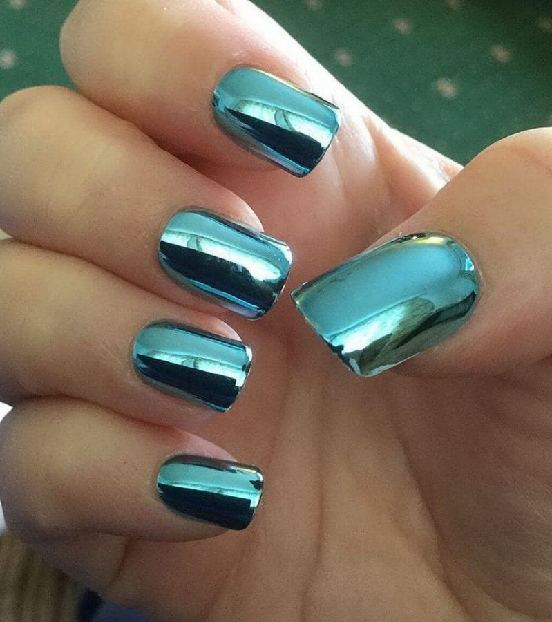 green holographic nails