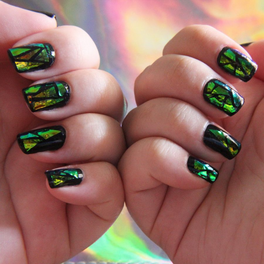 holographic nails green