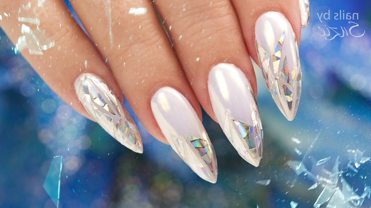 holographic nails new trend